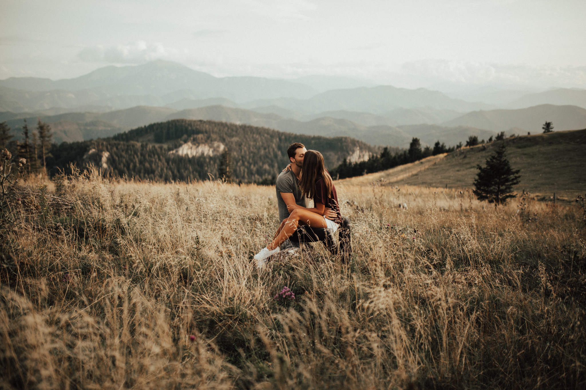 Image of Lisa and Marcus in their couples session on the Unterberg in Lower Austria