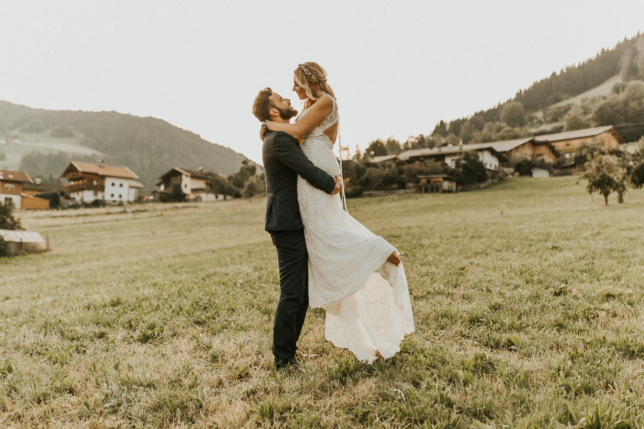 Intimate wedding photos in Tyrol